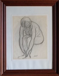 Mozos Pedro, dibujo carboncillo papel 26,50x21 y marco 46x36 cms. mujer sentada 400 (1)